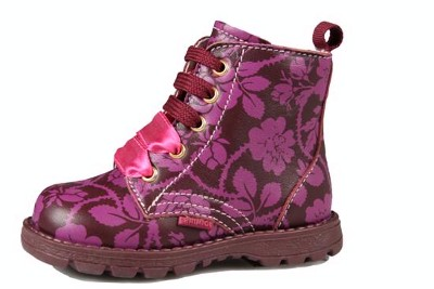 Kids Shoes Stores on At Little Piggys Shoes For Kids Your Children Are
